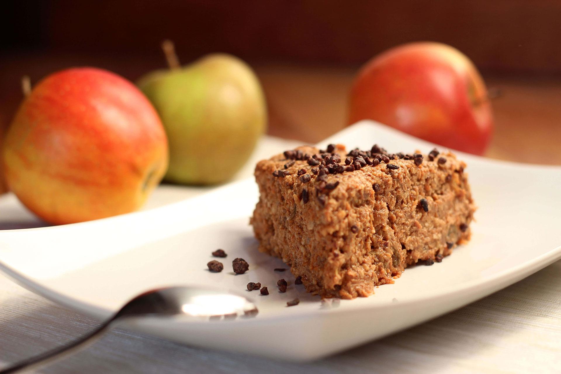 Prăjitură Raw Cu Măr și Morcov